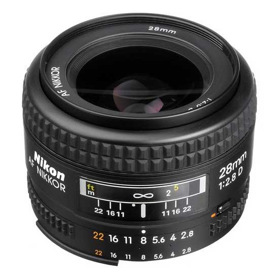 Nikon AF 28mm f/2,8D Lensa