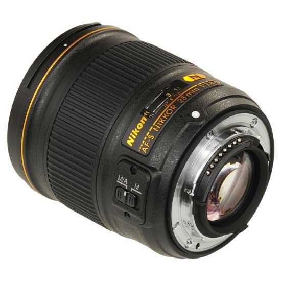 Nikon AF-S 28mm f1.8G Lensa