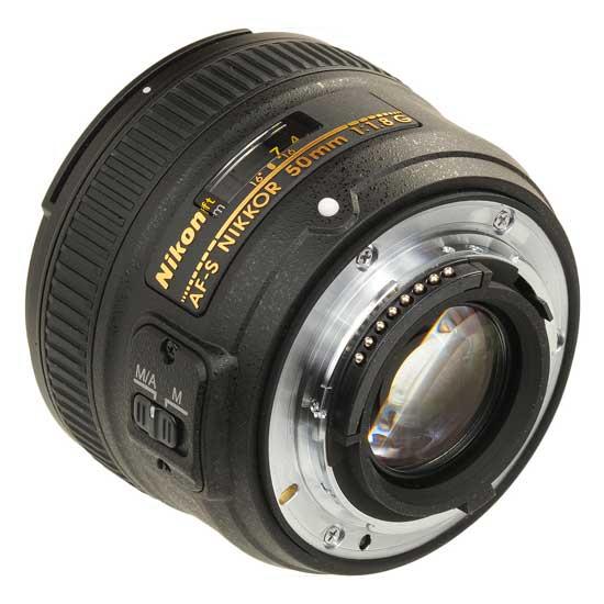 Nikon AF-S Nikkor 50mm f/1,8G Lensa