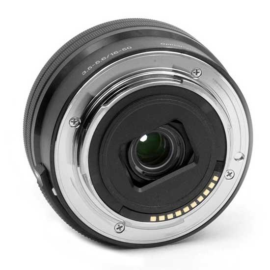 Sony E 16-50mm F3.5-5.6 PZ OSS Lensa