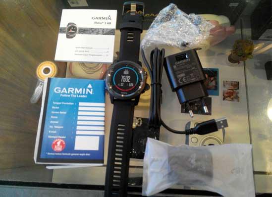 Garmin-fenix-3-HR-Sapphire-Edition-Training-GPS-Watch