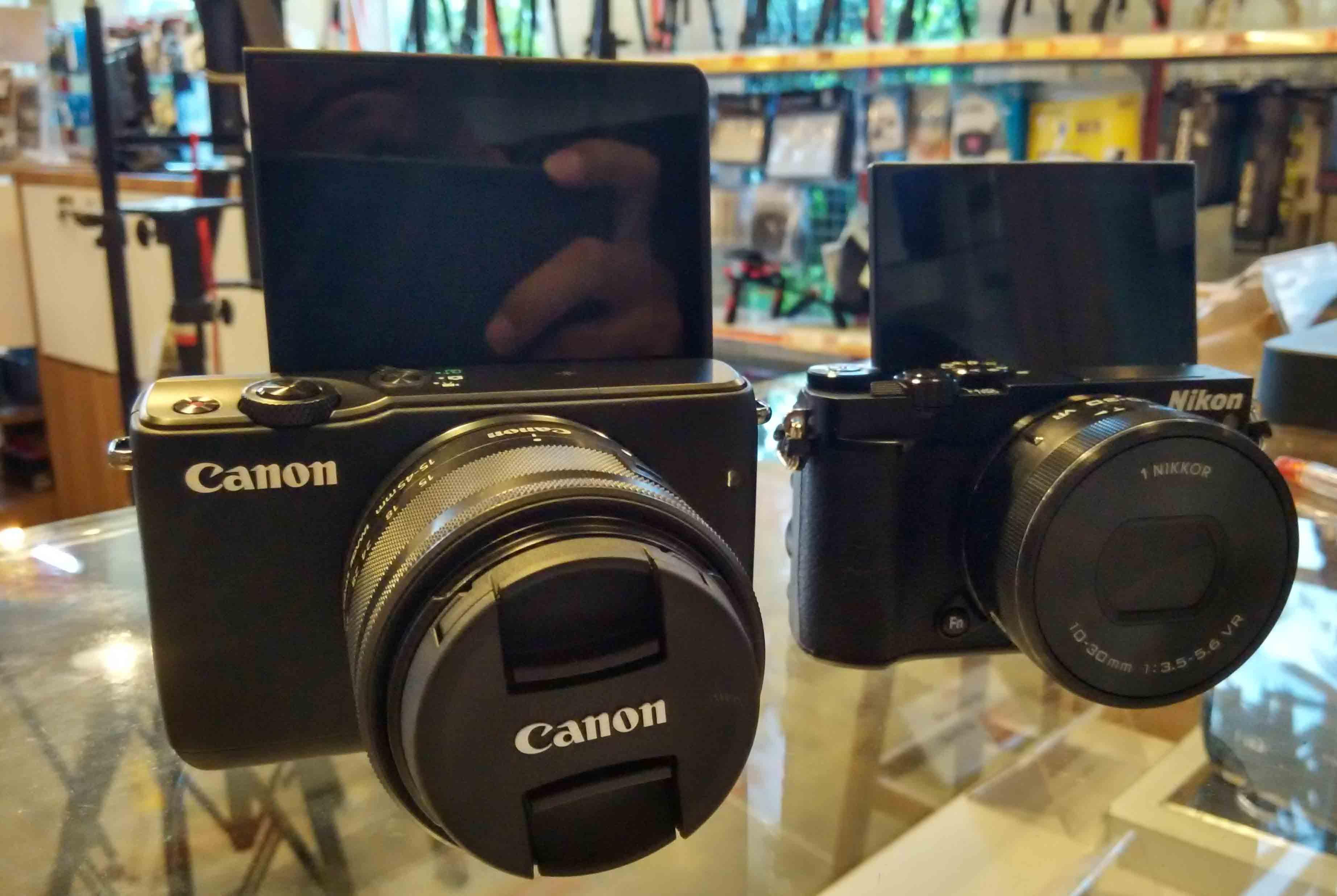 Perbandingan Kamera Vlog Antara Canon M10 Atau Nikon 1 J5