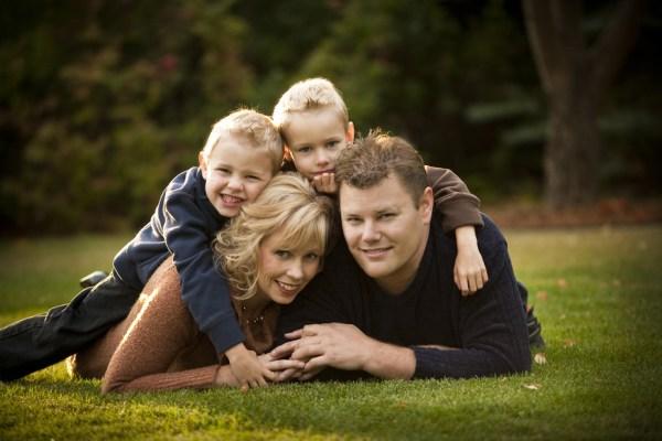 Bikin Foto Keluarga Lebih Hidup Begini Caranya Plazakamera Com