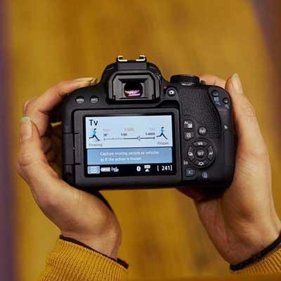 Jual Canon EOS 800D Kit EF-S 18-55mm IS STM Murah. Cek Harga Canon EOS 800D Kit EF-S 18-55mm IS STM disini, Toko Kamera Online Surabaya Jakarta - Plazakamera.com