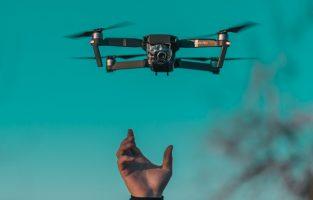 Cara Menerbangkan Drone untuk Pemula!