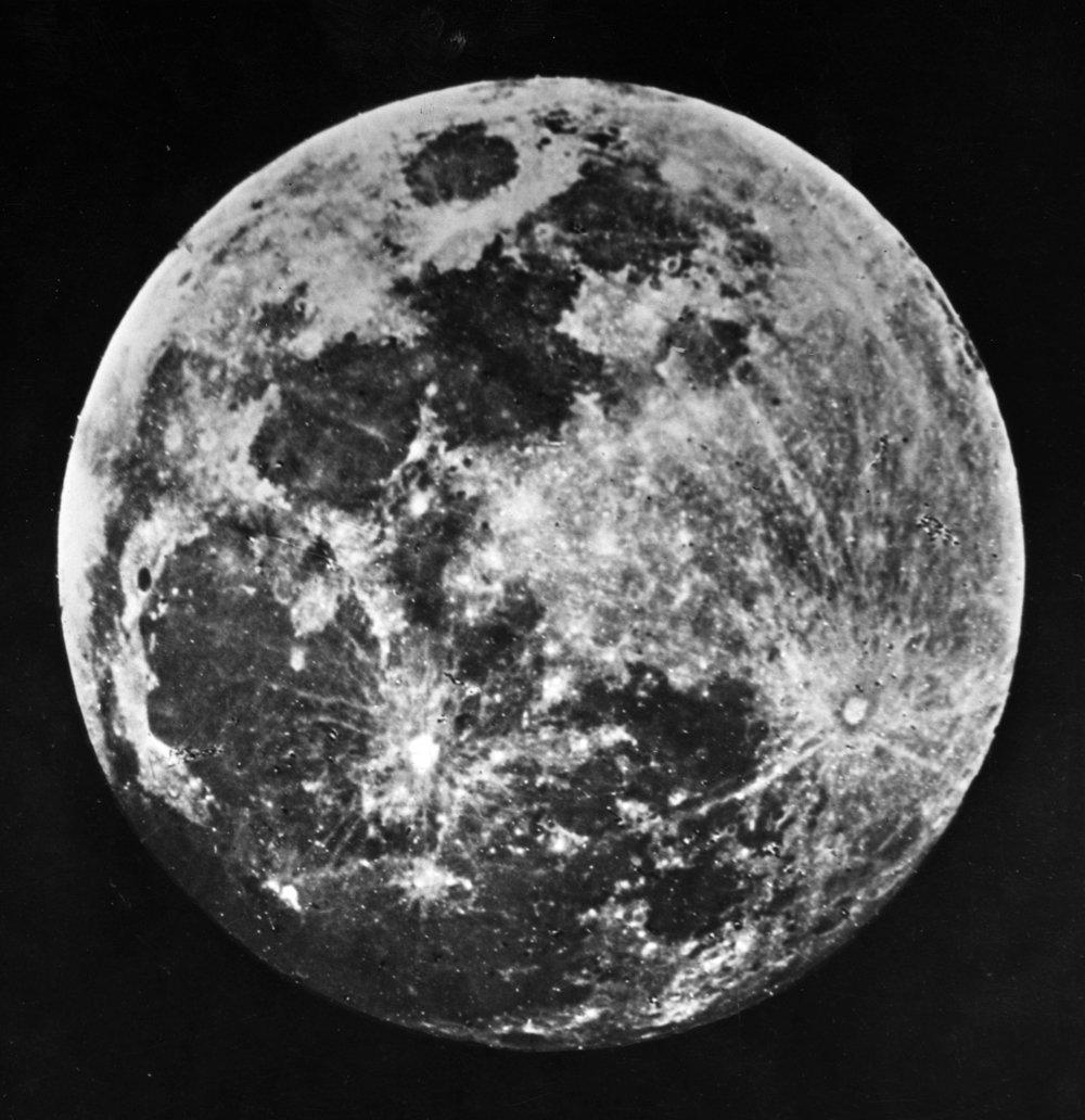 gambar bulan pertamakali pada abad 18